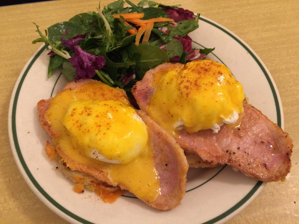 Peameal Bacon Eggs Benedict