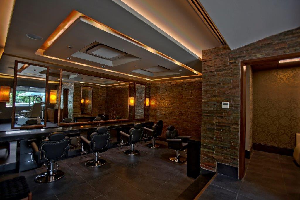 Warren Tricomi Hair & Make Up area at Zehen