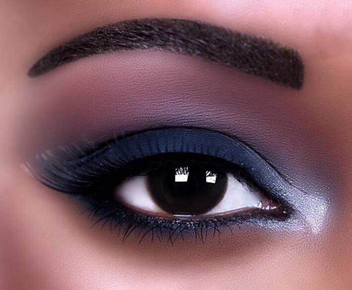 highlight inner corner of eye