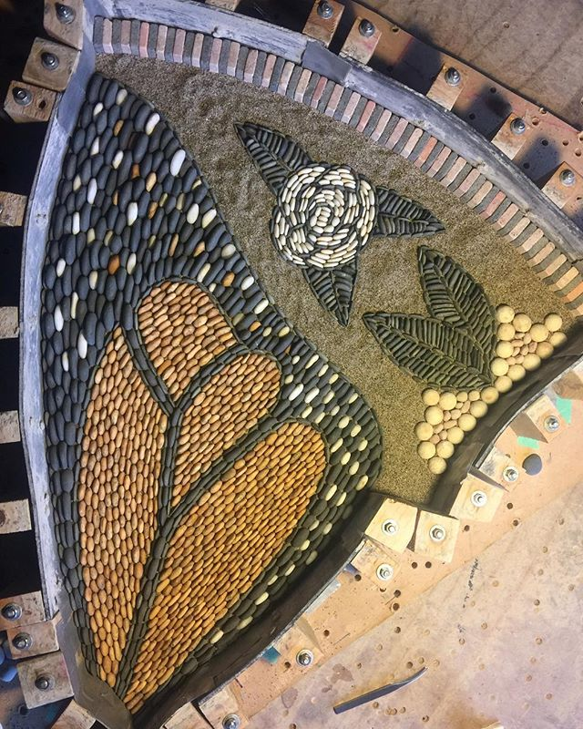 Talk to me forewing....Keep On talking,keep on mesmerising me... #powerofpebbles #pebblemosaics