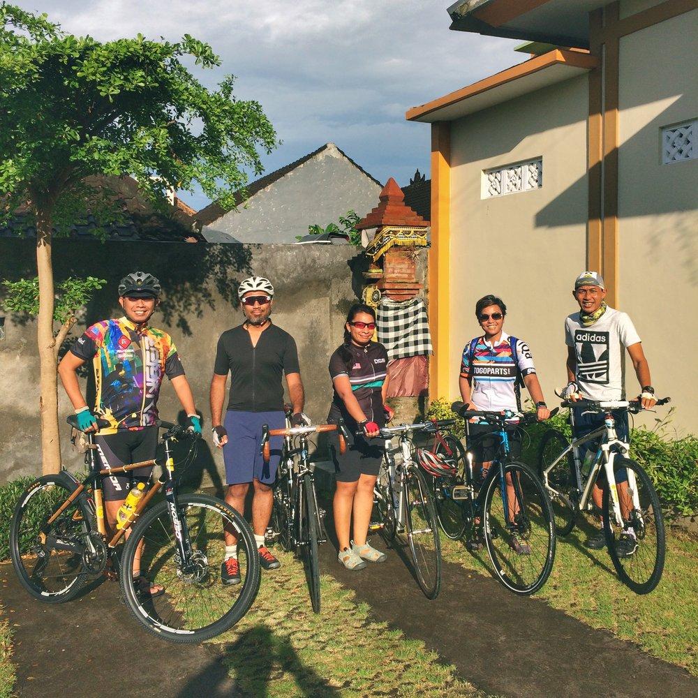 Left to right: Om Poetoet, myself, Nadiah, Maya and Pak Kadek, getting ready to explore!
