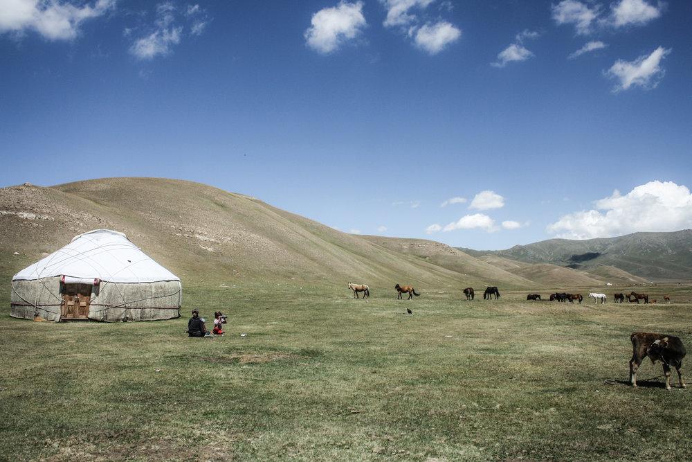 Yurt, Song-Kol, Kyrgyzstan.jpg