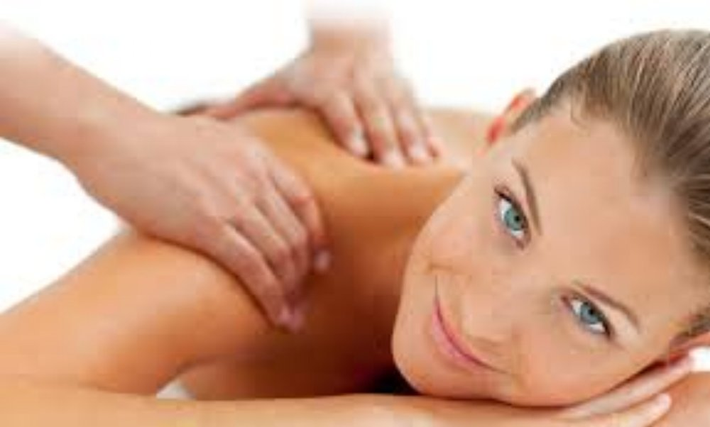 EAST WEST (DEEP TISSUE) MASSAGE