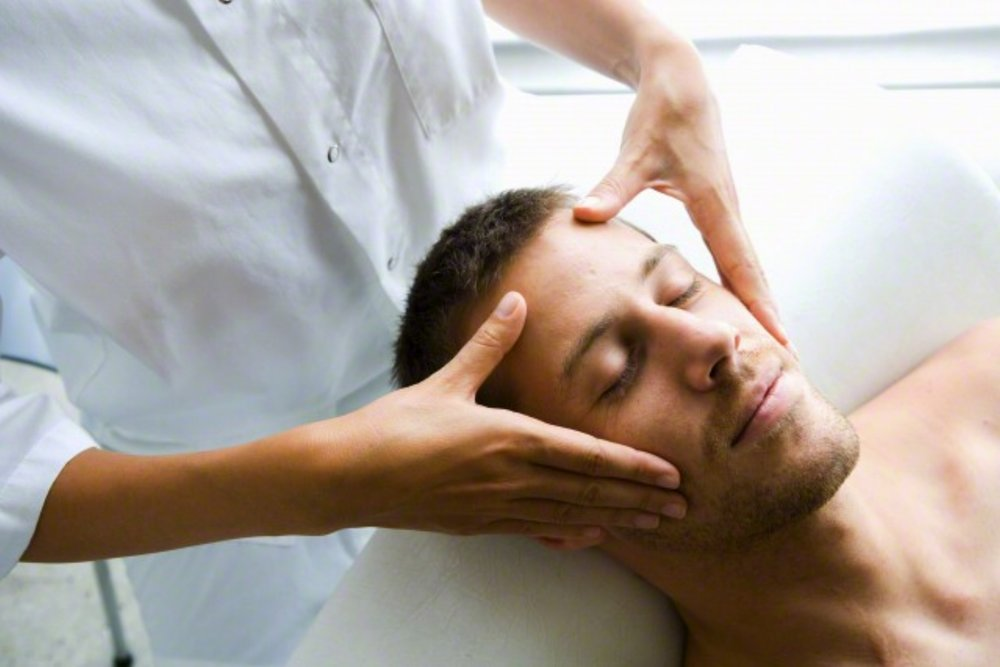 THAI AYURVEDA HEAD MASSAGE