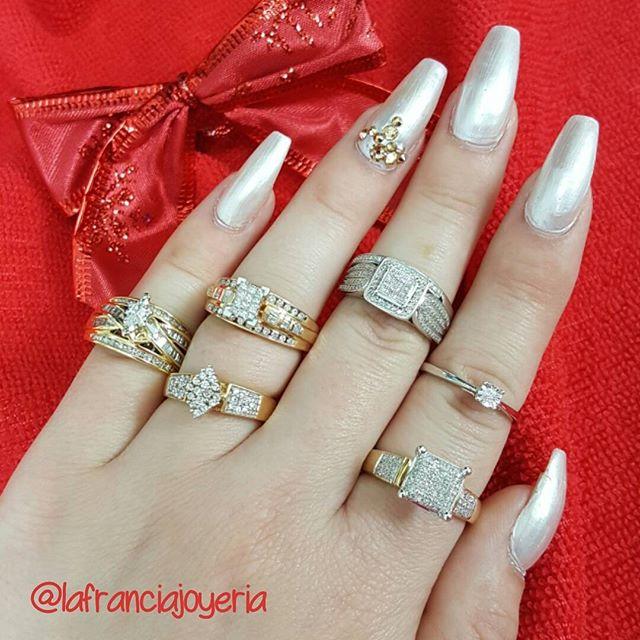 Feliz día de #Reyes,  tenemos espectaculares anillos de compromiso en super promoción, ven y pregunta por nuestros descuentos especiales #lafranciajoyeria #happykingsday #felizdiadereyes #engagement #rings #love #amor #diamonds #gold @lafranciajoyeria @lafranciajoyeria @lafranciajoyeria