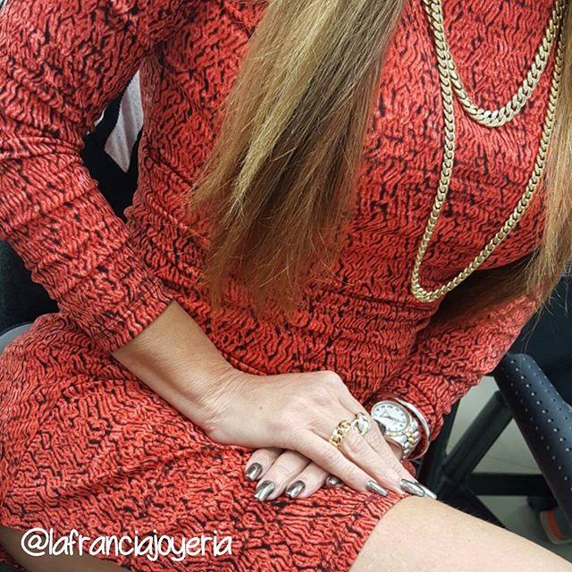 Seguimos con las promociones por inicio de año, te estamos esperando #lafranciajoyeria #miami #shopping #instajewelry #gold #oro #gold #brazaletes #cubanlink #rings💍 @lafranciajoyeria @lafranciajoyeria @lafranciajoyeria