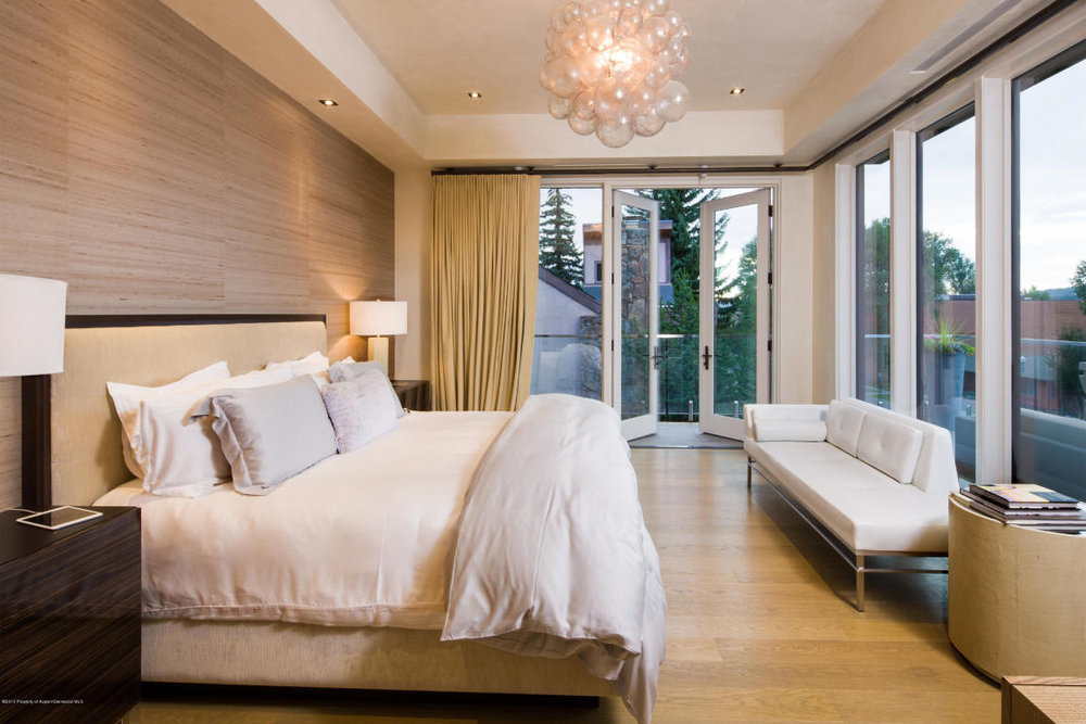 625 bedroom 3.jpg