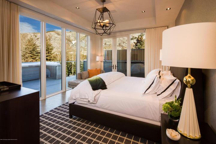 625 Bedroom.jpg