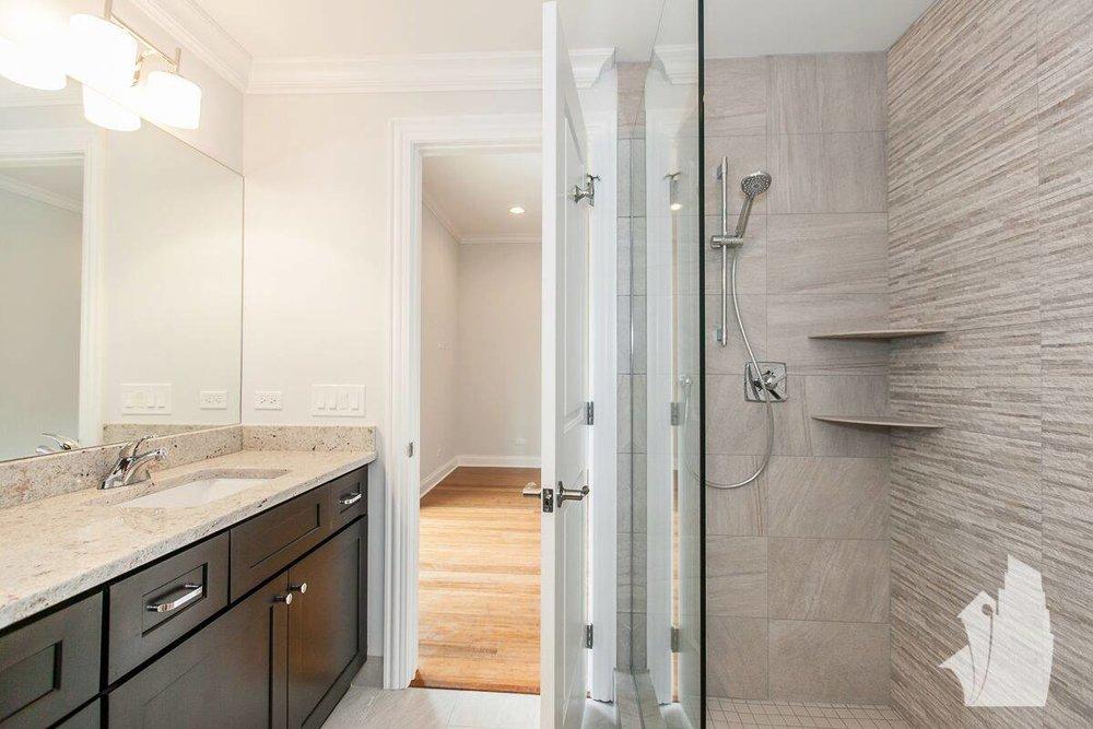 buck hallway bath.jpg