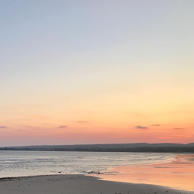 What an end to the start of the weekend! Peachy :) Open early 'til late tomorrow and Sunday with more swell forecast 🌊 #anotherdayinparadise #lahinch #letsbehavingyousummer