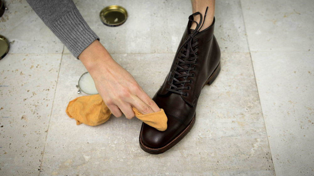 khakis-shoe-care-sealing.jpg