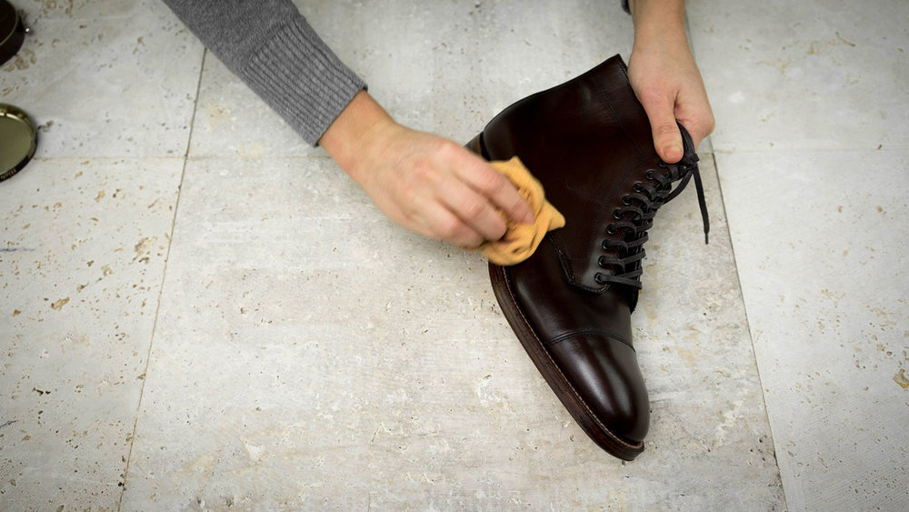 khakis-shoe-care-finish.jpg
