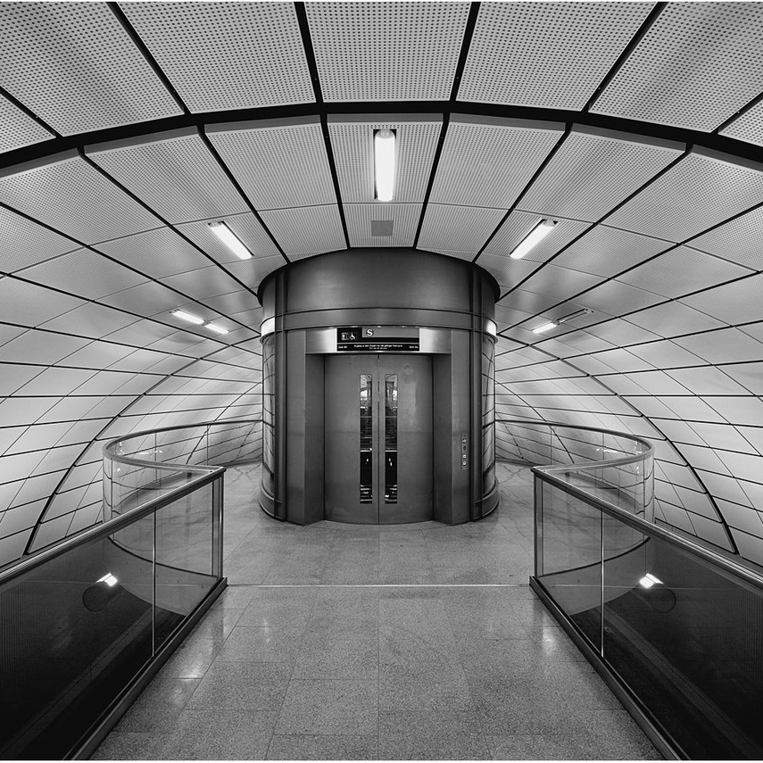 elevator_by_karlomat-d4kxzda.jpg