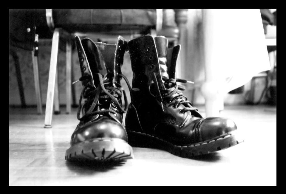 boots_by_leggylooloo.jpg