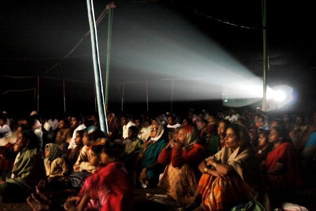 Cinema-Travellers-inside-the-tent.jpg