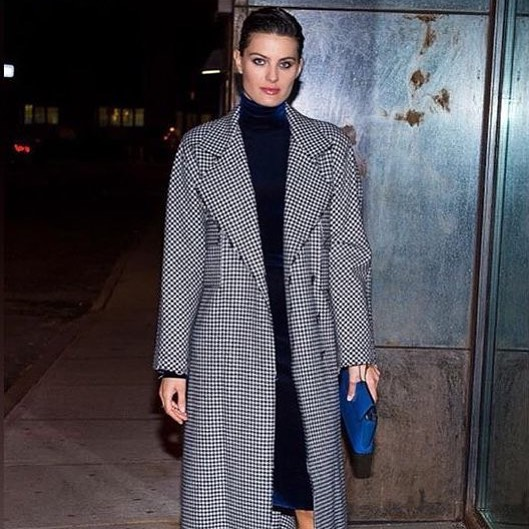 The elegant Isabeli Fontana with her Mr. Blue Sky clutch. Thank you @albrightfashionlibrary!⠀ .⠀ .⠀ .⠀ #IsabeliFontana #AlbrightFashionLibrary #Vetements #JWAnderson #Lanvin #MCCLLM #MrBlueSky #Clutch #FashionWeek #NewYork