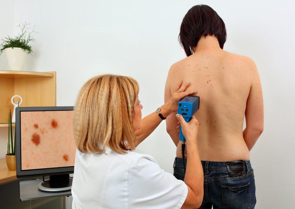 Dr_med_Nina_Mueller_Weinheim_Dermatologie_Screening.jpg
