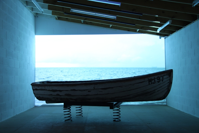 Bonnie Lane, If You Close Your Eyes The Cars Sound Like Waves, 2009, video installation