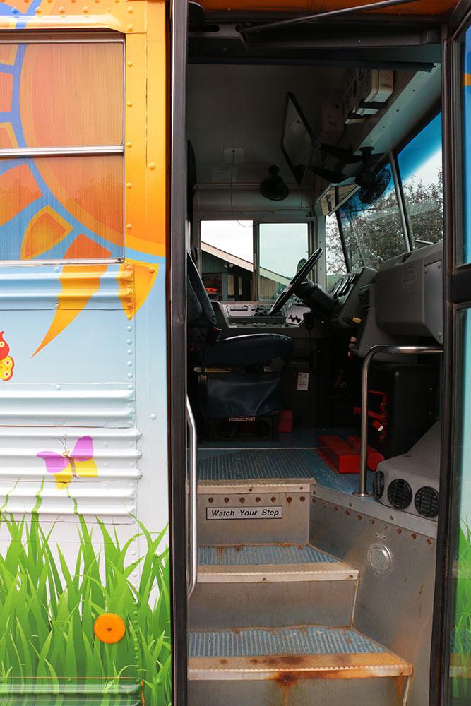BusStairs_6651.jpg