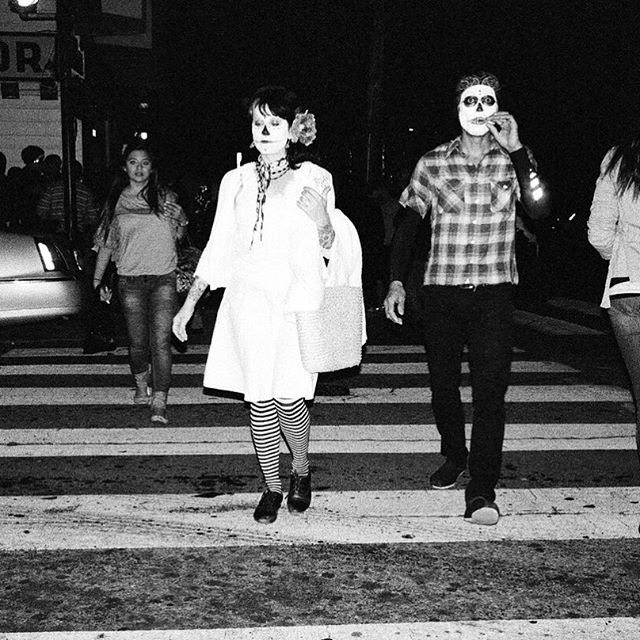 #dayofthedead#sf#noir#monochrome#photography#streetphotography#composition#bnw#people#world#mexican#sfcity#citylife