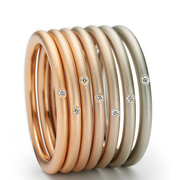 Uniquely colored gold stacking rings