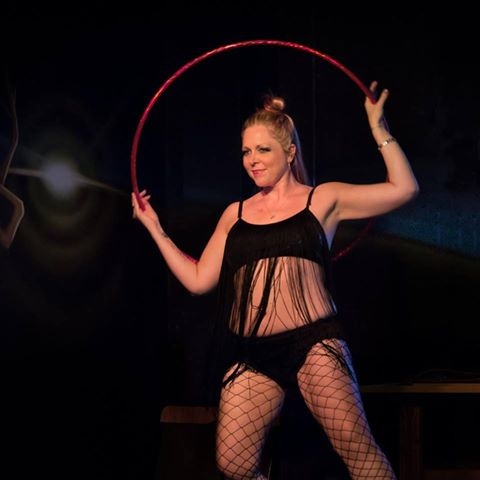 Lori Jacobsen Living in North Carolina, Lori runs her own hoop dance based business Glitterhoopz. She is a Hoop Yogini certified instructor and also a transnational life coach. This spinspirational hoopstar also spearheads one of the largest, most influential online hoop groups,Infinite Circles Community.