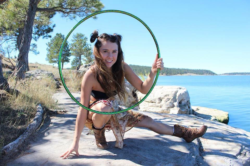 Annette Thorne A cute and spunky travelling hoop dancer originally from Montana. This aspiring circus star trains daily to progress her practice which is complemented with yoga. Watching her grow day by day is a true inspiration.