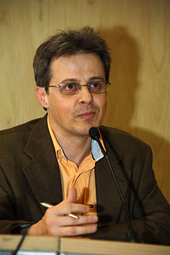 Vicente Haya, autor de  Aware .
