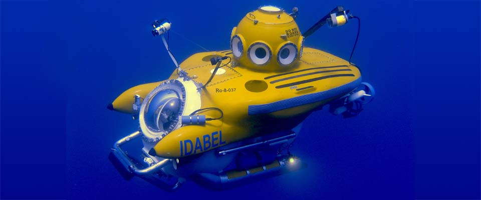 Idabel  submersible, located at Roatan, Honduras.