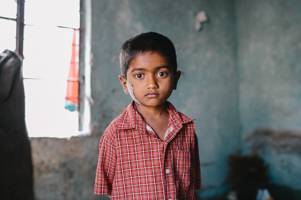 India Documentary Rachelle Derouin Photographer-33.jpg