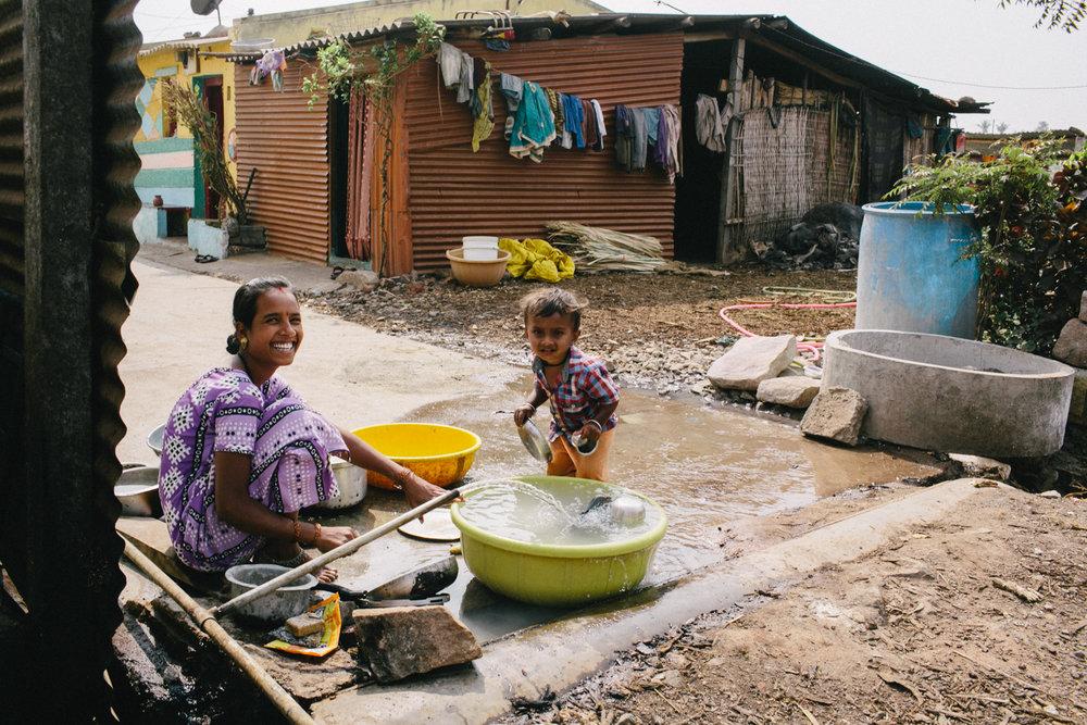 India Documentary Rachelle Derouin Photographer-56.jpg