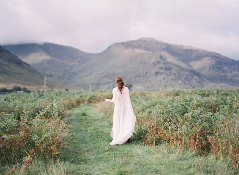 Kilchurn Castle Elopement - Photos by Lilli Kad Photography