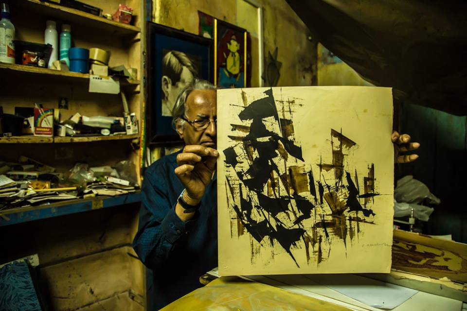 The artist at his studio. Courtesy Vamona Ananta Sinai Navelcar Facebook page managed by Anne Ketteringham.
