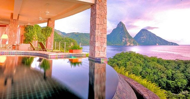 St Lucia 🏝🌊 Jade Mountain Resort Fun fact: St Lucia gained independence from Britain 🇬🇧 in 1979
