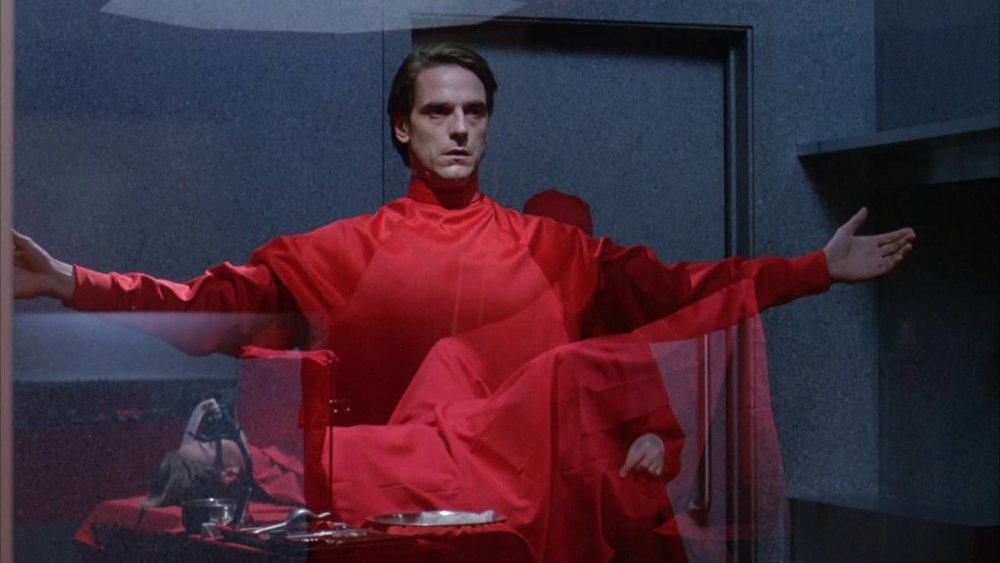 The design of  Dead Ringers  is just so dynamic. The scrubs look more like religious garments than surgical clothes and it's not a coincidence.