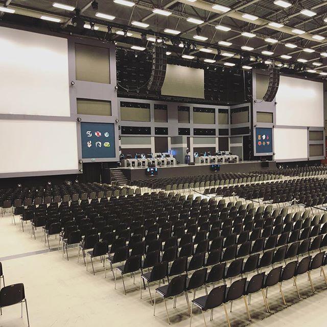 Torsdag aften, 14 timer før doors til ESL Pro league i Sparekassen Fyn Arena. Fantastik at Odense kan tiltrække så stort et arrangement og at #odensecongresscenter kan løfte opgaven💪🏻