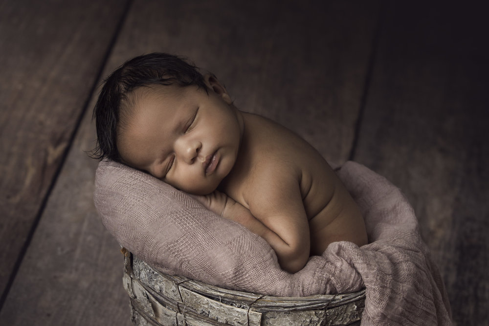 akron-newborn-photography.jpg