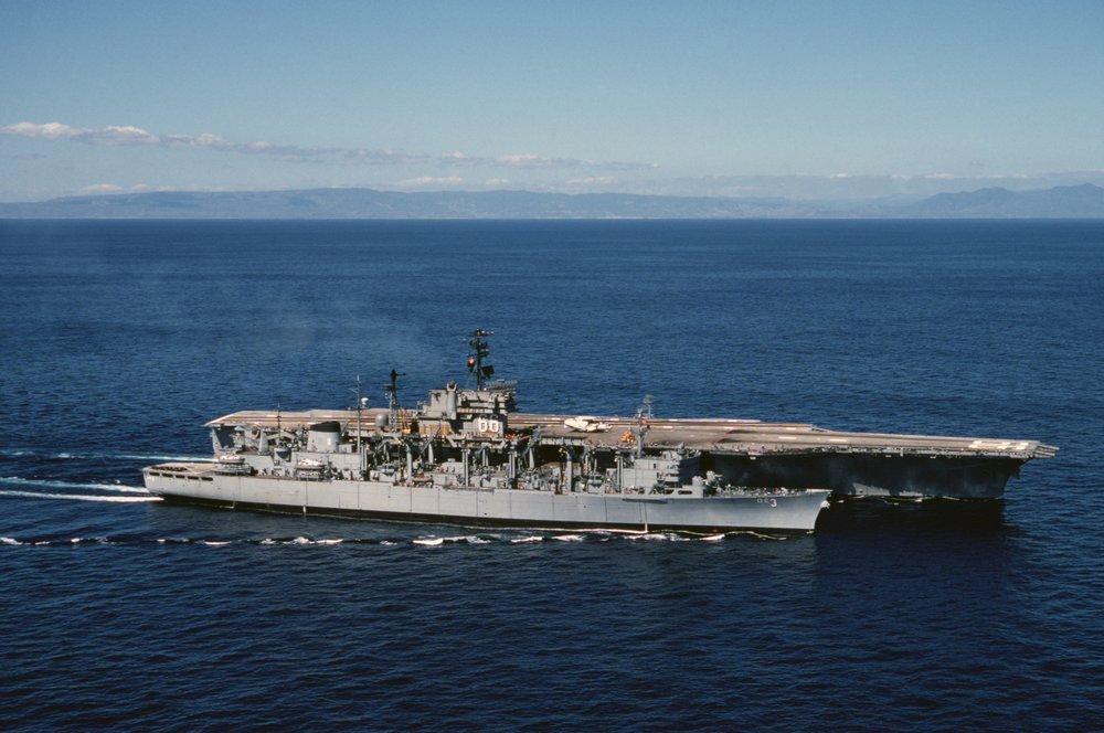 USS_Seattle_(AOE-3)_and_America_(CV-66)_underway_in_1976.JPEG