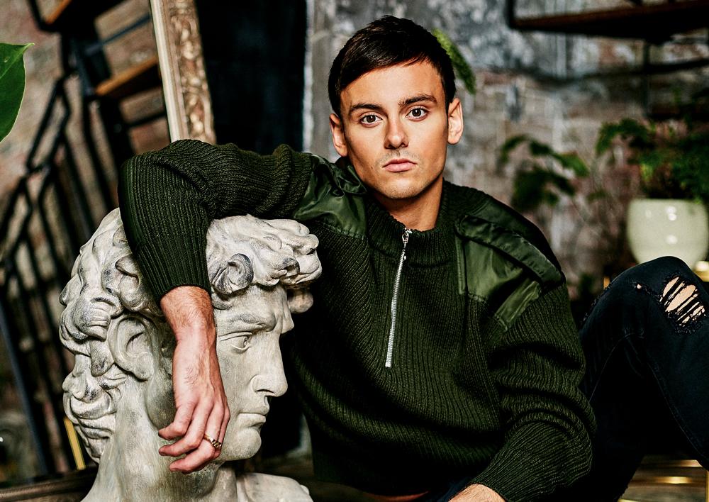 Sweater  SANDRO |  Jeans  DIESEL |  David's Head  5MM DESIGN