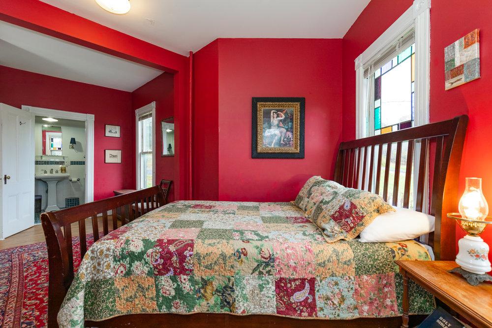 Windham    Queen, En-Suite Bath • from $149
