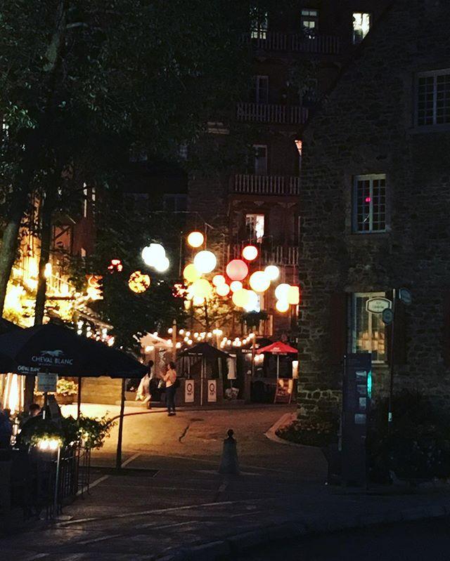 La rue du Cul-de-sac #rueduculdesac #petitchamplain #vieuxquebec #villedequebec #oldquebec #oldquebeccity