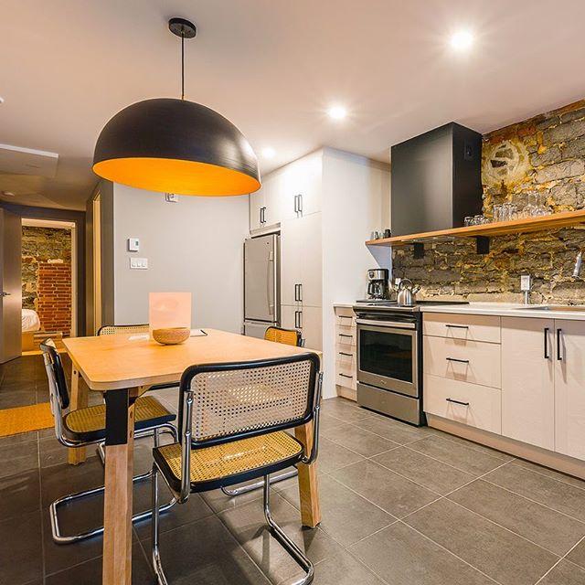 Les Lofts riment avec confort . . . #residencedetourisme #cuisine #aireouverte #loft #leslofts #lesloftsqc #lesloftsstpaul #luminaireauthentik #design