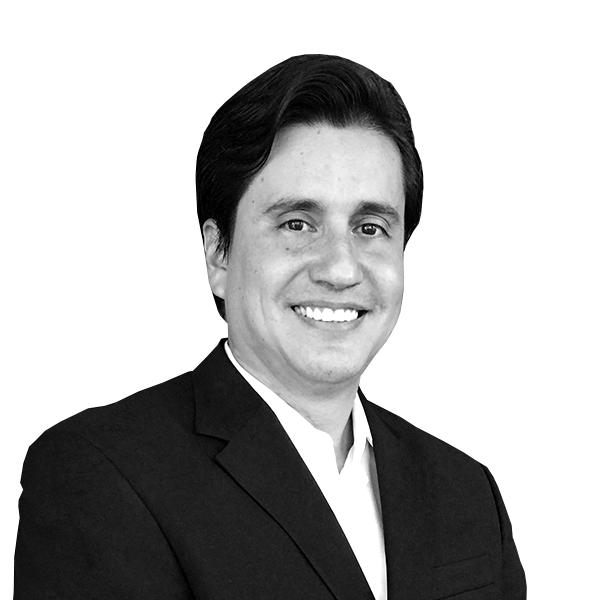 Héctor Larios   Consultor Asociado Centroamérica  Marketing estratégico.