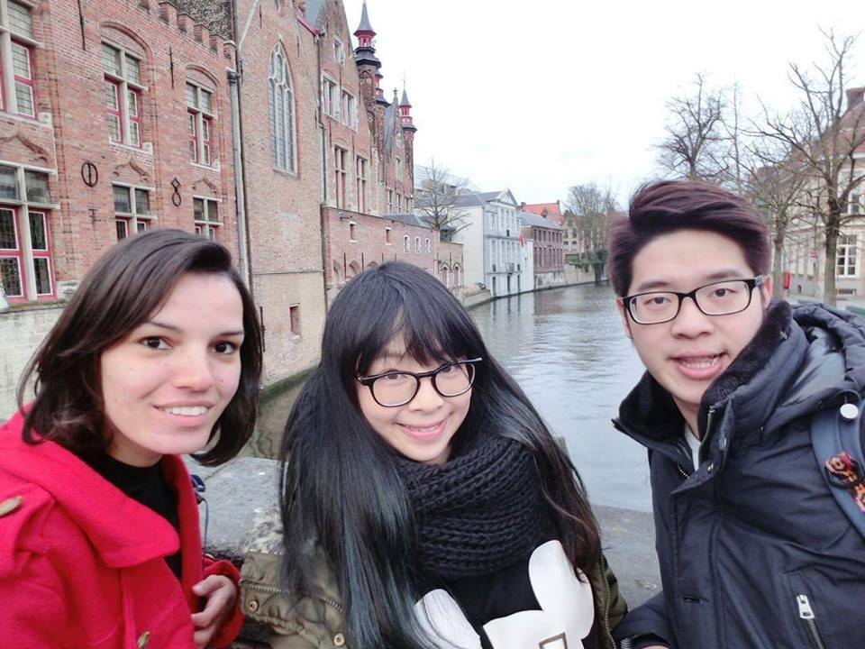 I met my friends from Taiwan in a hostel room in Brussels. They invited me to join them for a walk in Brugge. What a great day!