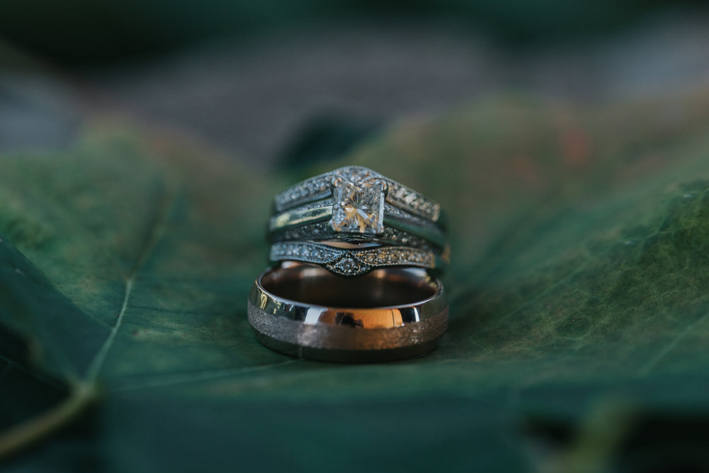 grand-rapids-photographer-traverse-city-wedding-organic-moody-eclectic-kiwi