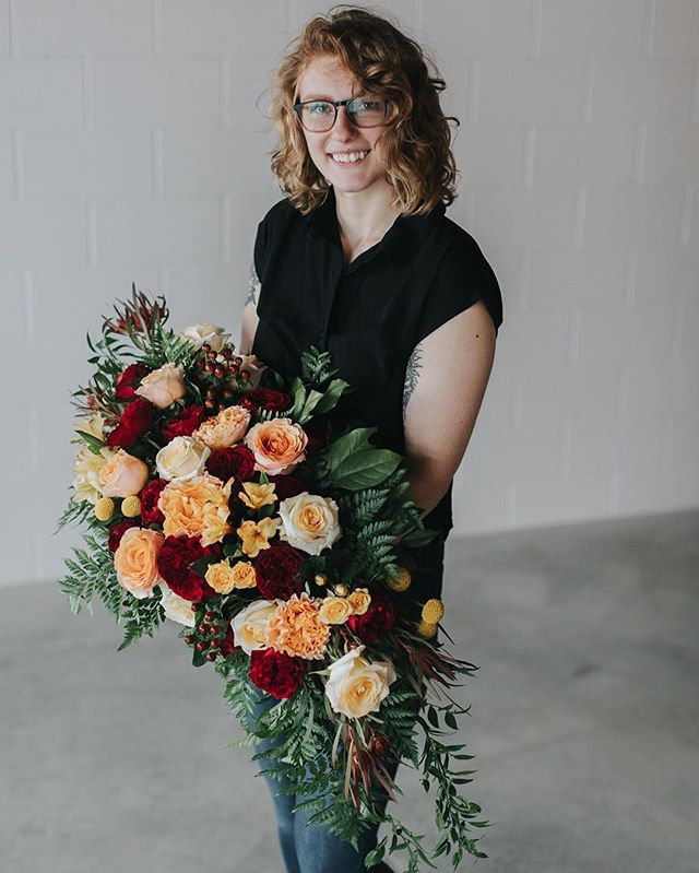 Hi friends, it me. Excuse me while I chop off my head in my grid and put two selfies on top of each other. Coming at 'cha with a huge ass bouquet as usual 😂 When I'm designing arrangements or bouquets, it's just so hard to stop when you have such beautiful flowers and incredible colors. I gotta apologize to all the brides and grooms who carry these bad boys..sorry, not sorry! 😅 + . . . . . . #grandrapidsflorist #westmichiganflorist #grandrapidsweddinghotographer #grandrapidswedding #grandrapidsbride #michiganwedding #chicagophotographer #detroitphotographer #elopementphotographer #livelocal #liveauthentic #thatsdarling #girlboss #risingtidesociety #huffpostido #fridayintroductions #smallbusinessowner #wildrootcollective #aislesocietyblogger #agameoftones #chicagoflorist #detroitflorist #elopementflorist #luxuryweddingflorist #detroitweddingphotographer #michiganphotographer #michiganweddingphotographer #indiebride