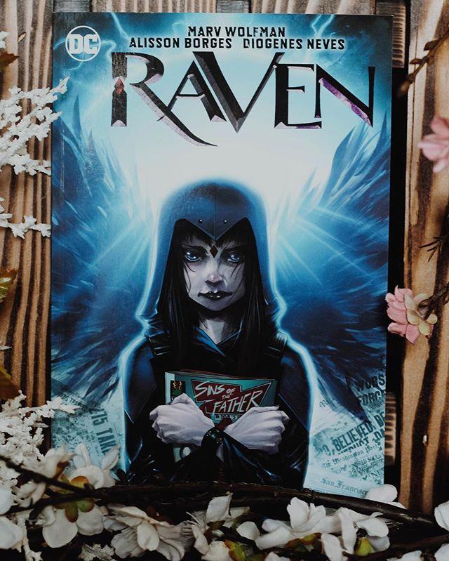 I am getting more into graphic novels after watch the newest justice league movie. i always underestimate my love for super hero stories until i get into a book or movie and the my obsession unburies itself 😂 i picked up with one and wonder women and can't wait to get into them!!! what is you favorite superhero graphic novel?!? #graphicnovel #raven #teentitans #justiceleague #bookstagram #youngadultbooks #bookish