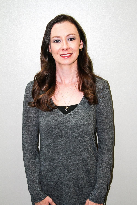 LAURA GANT - STYLIST