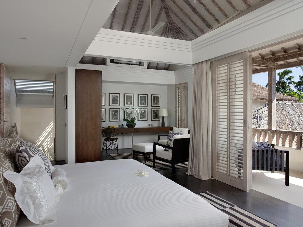 06-Villa Adasa - Master bedroom.jpg