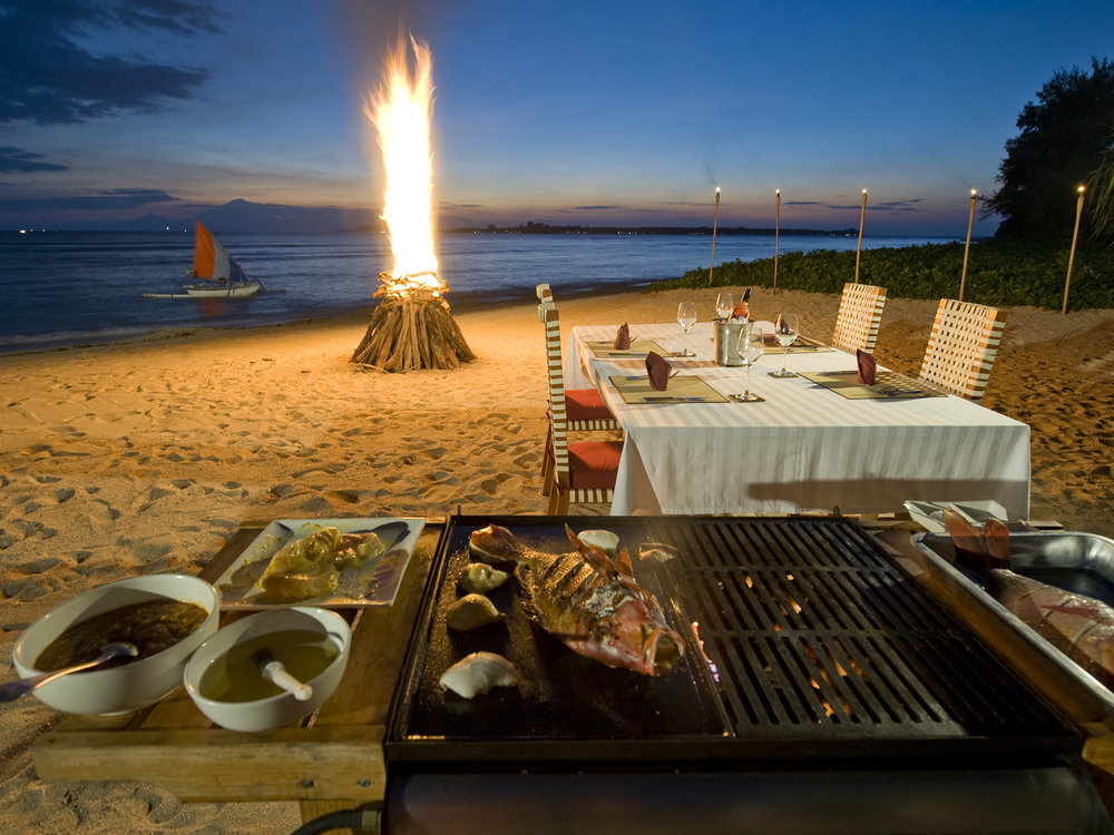 09-Villa Sepoi Sepoi - BBQ on the beach.jpg